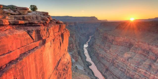 adventures-by-disney-north-america-arizona-and-utah-hero-07-grand-canyon-sunset