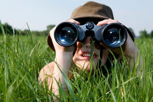 Safari_Girl_w_Binoculars
